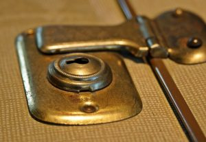 NATURALLY-GREEN-Brass-cleaning-blog